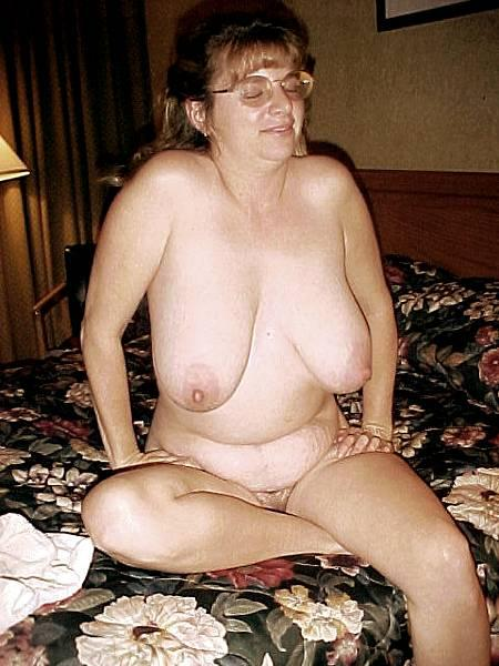 chaude cougar sexe en photo 099