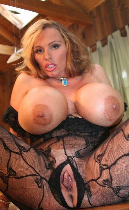 Beautiful Big Tits  And Naked Pussy Mature Pornstar