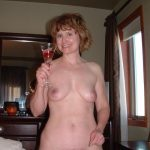 jolie maman en photo nue 014