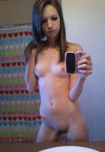 Hot pic femme toute nue du 21