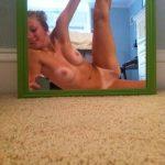 sexy toute nue sur le 80